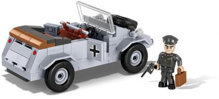 Voiture allemande VW Kübelwagen type 82